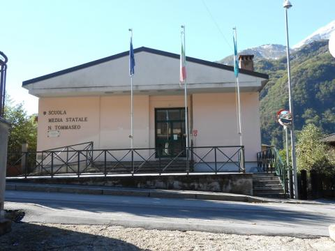 foto scuola media Introbio